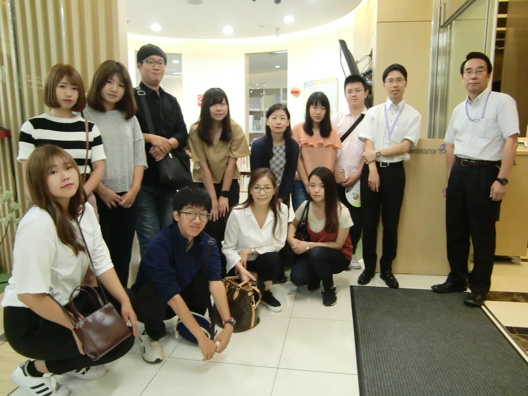 ⑯国際交流基金ソウル日本文化センターで、韓国の日本語教育事情について説明していただきました。