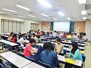 食物栄養学科の「日本語表現法」の授業で交流しました。
